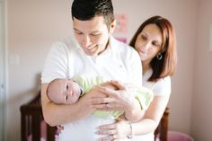 Lifestyle Newborn Photo in Knoxville, TN | Erin Morrison Photography www.erinmorrisonphotography.com