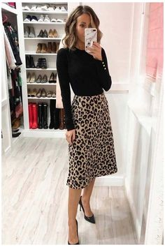 Business Attire For Young Women, Business Casual Outfits For Women, Casual Work Outfits, Casual Boots, Winter Work Outfits, Work Casual, Cute Office Outfits, Chic Office Outfit, Office Attire Women Casual