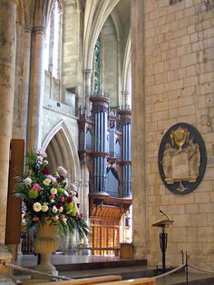 Otherwise known as The Cathedral and Collegiate Church of St Saviour and St Mary Overie. Southwark Cathedral, Church Interior, Throughout The World, Kirchen, Musical Instruments, Scenery, King, London, Architecture