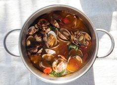 Super Foods Recipes Lentils & Beans: Clams and Beans... All I want are the clams, but I can handle beans.
