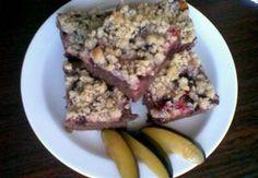 Perníkový koláč s ovocem a žmolenkou French Toast, Oatmeal, Breakfast, Food, The Oatmeal, Morning Coffee, Rolled Oats, Essen, Meals