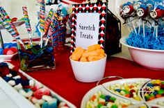 Throw a Dr Seuss Themed Baby Shower Dr Suess Baby, Dr Seuss Baby Shower, Baby Boy Shower, 2nd Baby Showers, Baby Shower Parties, Baby Shower Themes, Shower Pics, Shower Ideas, Cheap Baby Shower