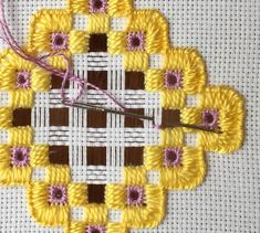 Embroidery Projects hardanger needle weaving - Part four of the tutorial shows how to do needle weaving and a Dove's eye to finish off the hardanger embroidery project. Tambour Embroidery, Hardanger Embroidery, Types Of Embroidery, Learn Embroidery, Hand Embroidery Stitches, Embroidery Techniques, Cross Stitch Embroidery, Embroidery Patterns, Paper Embroidery