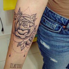 Most popular arm flower tattoos