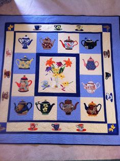Love.....Love this Teapot quilt by 2manyhobbies of the Quilting Board