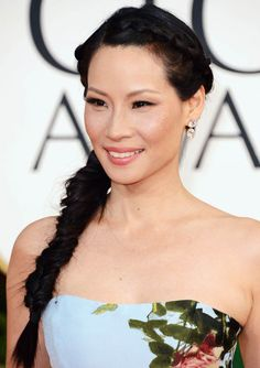 Lucy Liu's fishtail plait at the Golden Globes looked perfect with her smoky eyes
