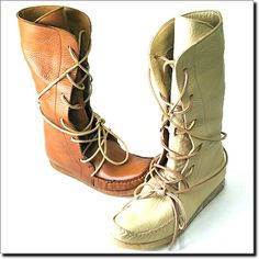 oxfordish boots.