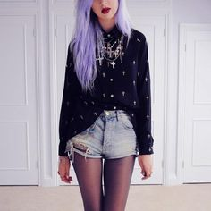 I would never die my hair like.... A rambunctious color, but I think this is such fricking cool hair...