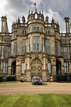 Burghley House ~ a grand country house in Cambridgeshire, miles south of Stamford, Lincolnshire, England & 10 miles northwest of the city of Peterborough. Beautiful Castles, Beautiful Buildings, Beautiful Places, Unique Buildings, Castles In England, English Castles, English Manor Houses, Scottish Castles, Château Fort