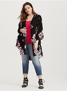 An inky black kimono has day-to-night appeal with its bright pink floral design and dramatic fluttering silhouette.Open frontKimono sleevesFloral designCONTENT + CARE