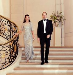 Prince William and Kate Middleton are living a royal lifestyle. Duke And Duchess, Duchess Of Cambridge, Prince William And Catherine, William Kate, Princesa Diana, Prince And Princess, Princess Charlotte, Royal Fashion, Kate Middleton