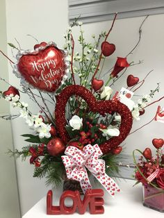 Silk Florals LLC Valentine's Day Arrangements 2018 Valentine's Day Baskets, Valentine's Day … – Make Happy Your Mom Valentines Day Baskets, Valentine Day Wreaths, Valentines Day Hearts, Valentines Day Decorations, Valentine Day Crafts, Valentine Ideas, Roses Valentine, Valentine Bouquet, Valentine Nails