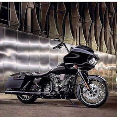 Harley Road Glide, Harley Davidson Road Glide, American Motorcycles, Cool Motorcycles, Indiana, Road Glide Custom, Bagger Motorcycle, Motos Harley Davidson, Road King Classic