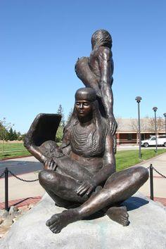 """Maidu Family"" statue in Maidu Regional Park"