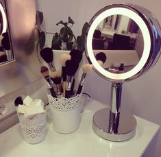 Uploaded by amandaa. Find images and videos about fashion and makeup on We Heart It - the app to get lost in what you love.