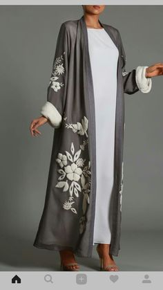 So soft and cozy looking! Abaya Fashion, Muslim Fashion, Kimono Fashion, Modest Fashion, Boho Fashion, Fashion Dresses, Mode Abaya, Mode Hijab, Abaya Designs
