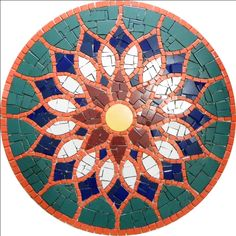Revestimentos E Mosaicos Artísticos Gaudi Mosaic, Mosaic Tile Art, Mosaic Artwork, Mosaic Diy, Mosaic Garden, Mosaic Crafts, Mosaic Projects, Stained Glass Projects, Mosaic Stepping Stones