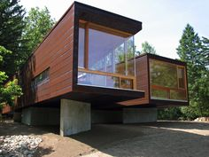 THE MODERN MODULAR HOUSE: Koby Cottage completed
