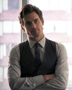Matt Bomer - Christian Grey in front of ana's desk Matt Bomer White Collar, White Collar Neal, Neal Caffrey, Business Outfit, Hot Actors, Christian Grey, Attractive Men, Perfect Man, Well Dressed