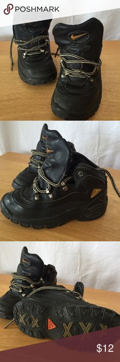 Nike ACG hiking outdoor boots! So cute Pre-loved but in good shape in general Nike Shoes Boots