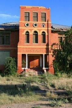 Abandoned Property, Abandoned Churches, Abandoned Mansions, Abandoned Places, Spooky Places, Haunted Places, School's Out Forever, Old School House, Abandoned Hospital