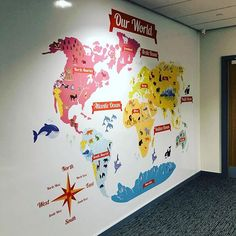 A World map school display, for a primary school in Halifax. A huge artwork for a corridor to educate the pupils about the continents and the animals of the world. By Fi From Fi&Becs Design ( School Displays, Animals Of The World, Corridor, Primary School, Continents, Branding, Classroom, Decorations, Map