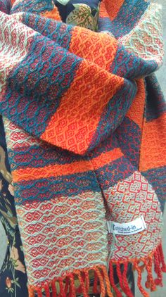 100% lambswool 2mtr Scarf hand woven Wild Cocoon