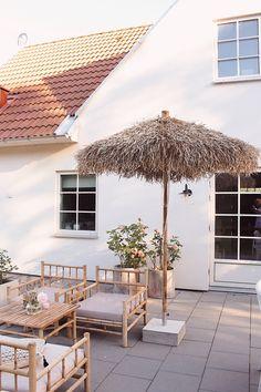 Outdoor Planters, Outdoor Gardens, Outdoor Decor, Outdoor Spaces, Outdoor Living, Summer House Garden, Outdoor Umbrella, Backyard, Patio