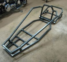 Using a Riding Lawn Mower to Build Your Own Go Kart. 8 steps guide on building your own DIY lawn mower go kart. Go Kart Frame Plans, Go Kart Plans, Build A Go Kart, Diy Go Kart, Electric Go Kart, Electric Car, Mini Buggy, Drift Trike Frame, Go Kart Engines