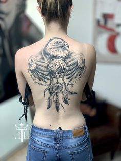 3298b0ddf231a Dream catcher in the protection of the eagle realistic black and white  picture back tattoo decorated