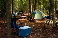 The Camping And Caravanning Site. Camping Tips And Advice Straight From The Experts. Camping can be a fun way to forget about your responsibilities. Your trip can be an unmitigated disaster, however, if proper plans are not made. The piece Best Tents For Camping, Camping Places, Camping Spots, Camping World, Camping With Kids, Tent Camping, Outdoor Camping, Camping Gear, Family Camping