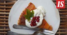 Sikke Sumari kokeili perinteiseen Tarte Tatin -piirakkaan omenoiden sijasta nektariineja. Tartan, Waffles, Breakfast, Desserts, Food, Tarte Tatin, Breakfast Cafe, Tailgate Desserts, Deserts