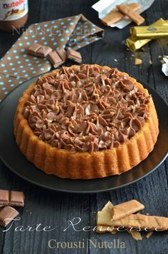 Crousti Nutella Pie inverted {Feuilletine Pralinoise} to attempt with a cake pan prepared Pastry Recipes, Tart Recipes, Sweet Recipes, Baking Recipes, Fall Dessert Recipes, No Cook Desserts, Zucchini Bread Recipes, Chocolate Recipes, Chocolate Chocolate