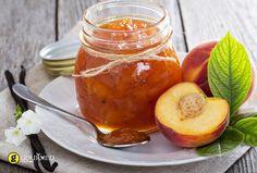 Μία μαρμελάδα ροδάκινο που θα σας ενθουσιάσει με τις μυρωδιές της αρμπαρόριζας και της βανίλιας.