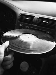 Find images and videos about cool, black and white and vintage on We Heart It - the app to get lost in what you love. House Music, Music Is Life, My Music, Music Mood, Techno Music, Pub Radio, Vinyl Junkies, Record Players, Vinyls