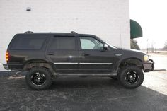 Ford Expedition SUV lifted