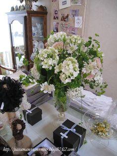 2009年3月・・・    「Chez Mimosa シェ ミモザ」     ~Tassel&Fringe&Soft furnishingのある暮らし~     フランスやイタリアのタッセル・フリンジ・ファブリック・小家具などのソフトファニッシングで、暮らしを彩りましょう       http://passamaneriavermeer.blog80.fc2.com/