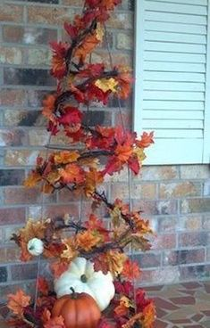 Get your home ready for autumn with these cheap and easy outdoor DIY fall decorations. From fall porch decorating ideas to fall yard decor, there are plenty of DIY outdoor fall decor ideas on a budget to choose from. Fall Yard Decor, Fall Home Decor, Diy Craft Projects, Fall Leaf Garland, Dollar Tree Fall, Fall Planters, Autumn Trees, Fall Crafts, Burlap