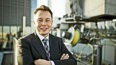 """ELON MUSK """"Ich will mich auf dem Mars zur Ruhe setzen"""" Multiunternehmer, Milliardär, Musk! Der Tesla-Boss ist Preisträger des Goldenen Ehrenlenkrads 2014. BILD am SONNTAG traf ihn in seiner Fabrik in Kalifornien"""
