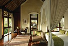 Feel at home this festive season with Four Seasons Private Residence Rentals.