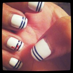 OMG Nautical is in right now, but this is Nautical done RIGHT! Love these sailor nails...