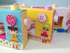 Uma fofura de caixinha no formato de máquina de costura. Pode ser usado no tema Lalaloopsy ou para outros temas em outras cores. Ideal para enfeitar a mesa da festa ou dar como lembrancinhas!