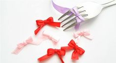 A fork helps even the most clumsy tie neat little bows.