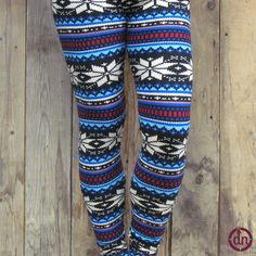These are one of the sharpest designs we've ever seen! The lighter blues in this pattern matched along with the darker blues against black really make the design of these leggings incredibly eye catching!