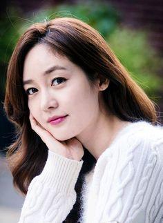 "Sung Yu-ri (ì""±ìœ 리) - Picture Gallery Eugene Kim, Korean Star, Divas, Kdrama, Photo Galleries, Singing, Culture, Kpop, Actresses"