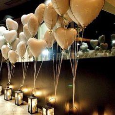 Sugestão legal de decoração para o dia dos namorados, que está chegando! ___________________________________________ #diadosnamorados #namorados #valentinesday #valentines #events #eventos #festa #party #love #fun #smile #friends #hearts #coracao #balloons #baloes #decor #decoracao #partydecor #ideas #tips #ideias #dicas #candles #velas #iluminacao #lighting #istamood #instagood #picoftheday