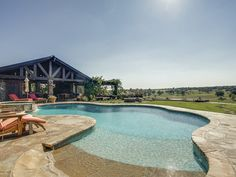NFL legend and prominent TV commentator Terry Bradshaw recently listed his 744-acre Oklahoma ranch.