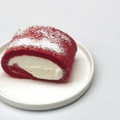 Cream Cheese Ragoons, Red Velvet Cheesecake, Mochi, Panna Cotta, Rolls, Ethnic Recipes, Sweet, Food, Palette