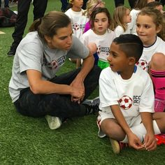 Tobin Heaths soccer camp was about so much more than soccer, thanks for being so great with the kids Us Soccer, Soccer Players, Long Island Image, Soccer Motivation, Orlando Pride, Tobin Heath, International Football, Soccer Training, Women's Football
