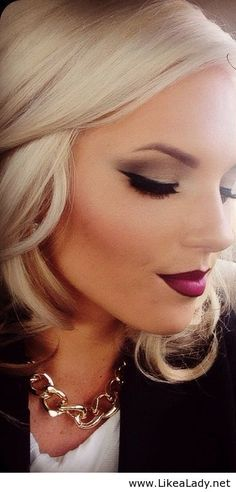 @Michelle Flynn Lidgett this is a makeup style you would do perfectly. You will have to teach me how to do this.